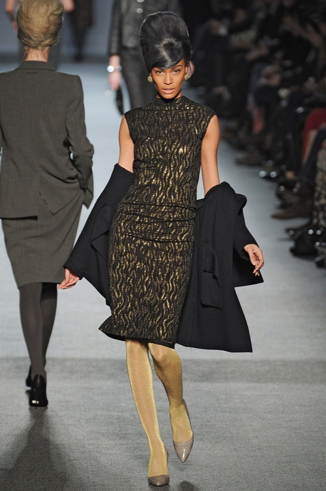 Foto de Jean Paul Gaultier Otoño-Invierno 2011/2012 en la Semana de la Moda de París: el lado sexy del estilo ladylike (26/27)