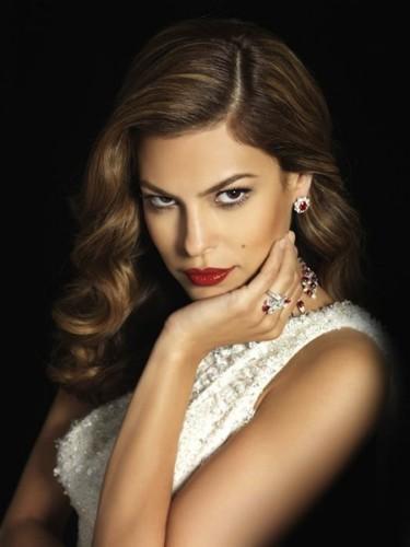 Eva Mendes prefiere ser sexy que guapa: menos mal que no tiene que elegir
