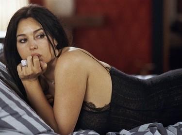 Monica Bellucci cuelga la alianza: ¡divorcio a la vista!