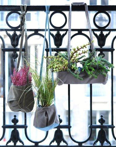 Una buena idea: usar bolsas de tela como maceteros