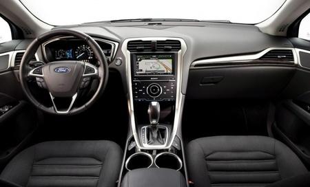 2013 Ford Fusion Hybrid 02