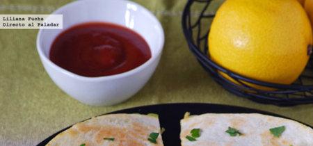 Quesadillas de aguacate y queso emmental. Receta