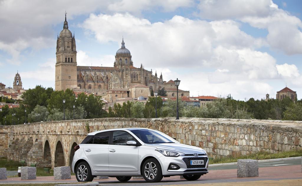 Hyundai i20 tres cuartos delantera