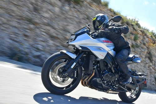 Probamos la Suzuki GSX-S1000S Katana: una moto mítica ha renacido con una estética de infarto y 150 CV