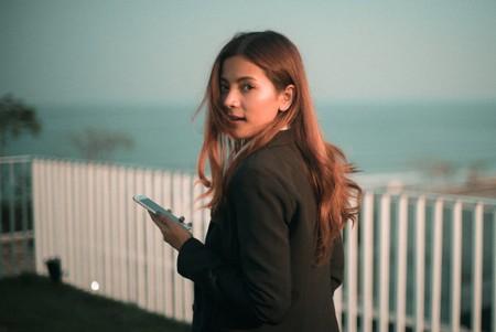 Así se rompe de una vez por todas con la adicción al móvil: los expertos nos lo explican