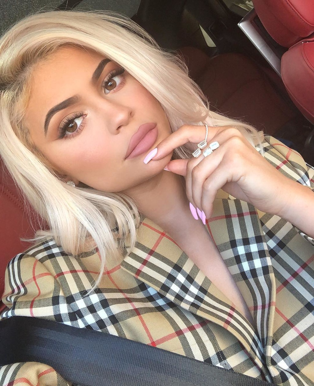 No duró mucho: Kylie Jenner vuelve a retocarse los labios
