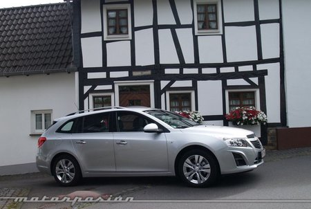 Chevrolet Cruze Station Wagon 10