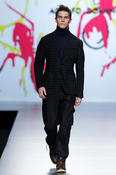 Foto de Adolfo Dominguez Otoño-Invierno 2011/2012 en la Cibeles Fashion Week (1/9)