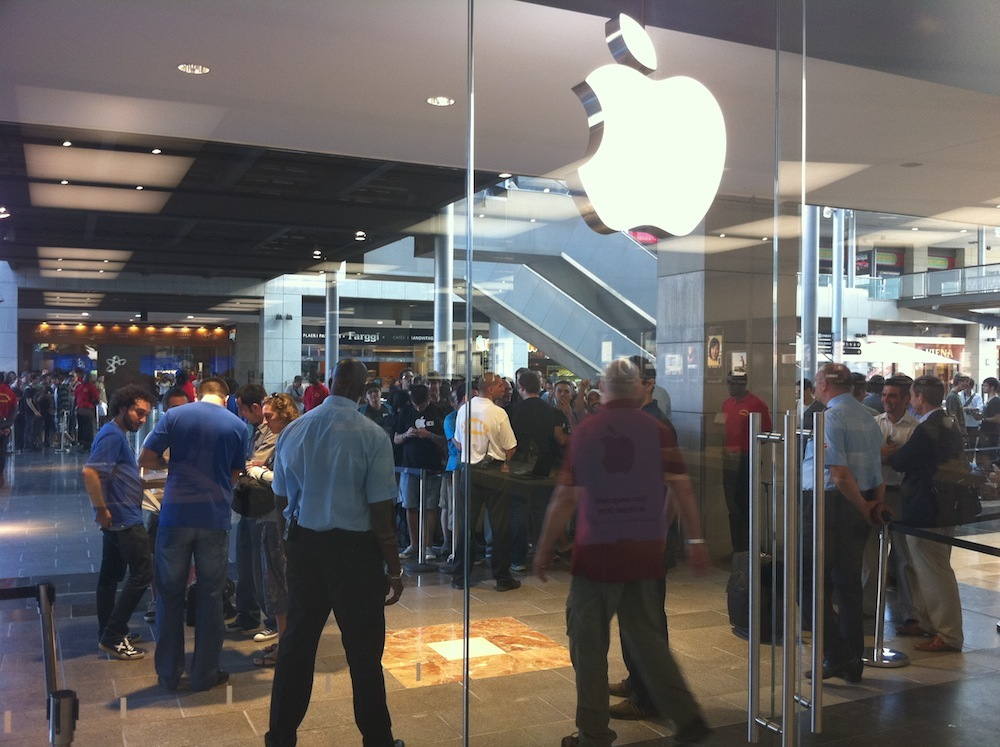 Foto de Inauguración Apple Store La Maquinista (24/93)