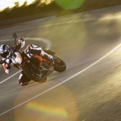 Foto 3 de 16 de la galería salon-de-milan-2012-ktm-690-duke-r-aun-mas-erre en Motorpasion Moto