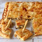 Empanada casera de pollo y setas, la receta más sencilla y socorrida cuando somos muchos a comer