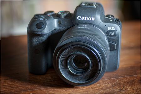 Canon EOS R6, análisis: la apuesta para conquistar el mercado de las sin espejo con luces en la fotografía y sombras en el vídeo