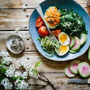 Comer sano y cocinar poco es posible: 12 compras rebajadas que nos ayudan a no abandonar la dieta