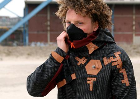 Parka Aegis, más que una chaqueta, un sistema de soporte vital