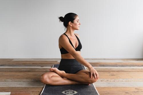 Una rutina de estiramientos y movilidad articular para hacer nada más levantarte