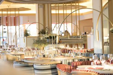 ¿Te gustan las paellas? Maná 75º, un espacio fresco y colorido en la Barceloneta