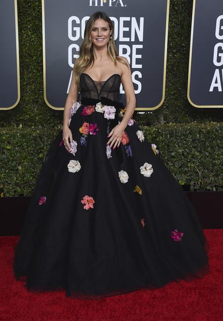 Heidi Klum inunda de flores multicolores la alfombra roja de los Globos de Oro 2019