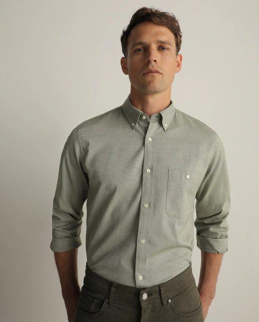Camisa oxford Essential de hombre classic lisa