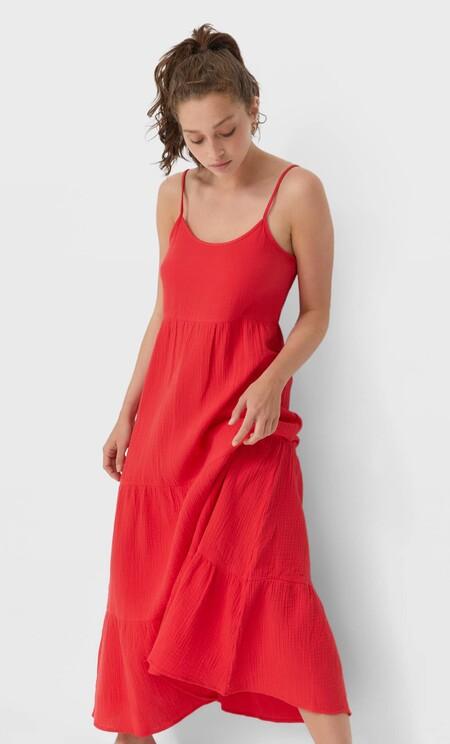 https://www.stradivarius.com/es/mujer/ropa/compra-por-producto/vestidos/ver-todo/vestido-midi-rustico-c1020035501p302248176.html?colorId=100&style=1