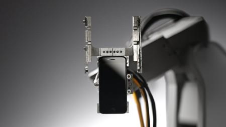 Este es LIAM, el robot que desguaza los iPhone usados que se devuelven a Apple