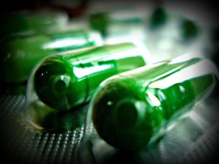 Suplementos dietéticos mandan a personas al hospital cada año