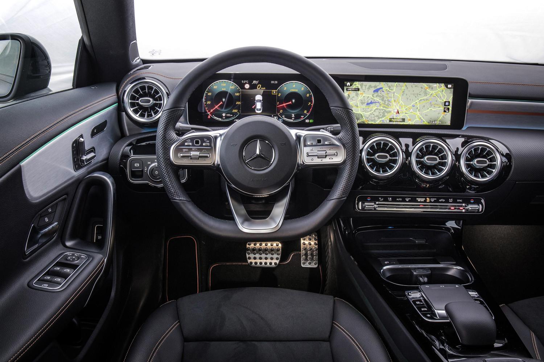 Foto de Mercedes-Benz CLA Coupé 2019, toma de contacto (203/248)