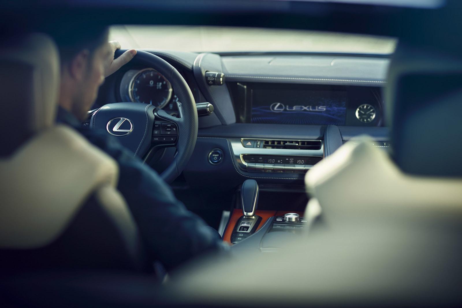 Foto de Lexus LC 500h (35/49)