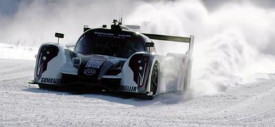 Jon Olsson entrena con su Rebellion R2K en la nieve