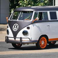 Esta Volkswagen Kombi de 1962 ahora es una furgoneta eléctrica y tiene hasta apertura por reconocimiento facial