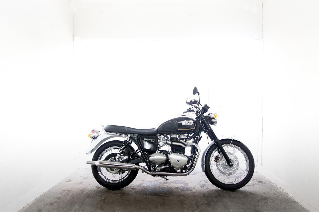 Foto de Triumph Bonneville T100 Special Edition Meriden, exclusiva elegancia (1/19)