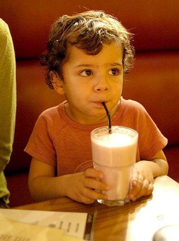 Especial Alimentación infantil: recetas de batidos caseros para madres preocupadas (II)