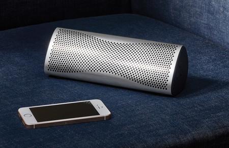 KEF renueva su altavoz Bluetooth Muo con un baño metálico de lo más reluciente