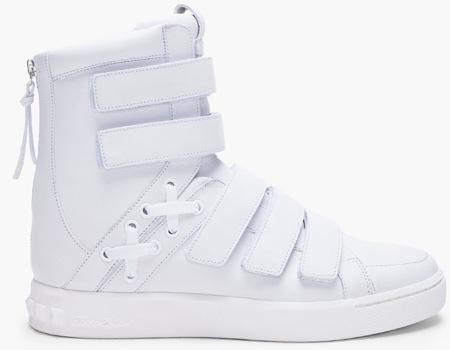 White Ethan, la zapatilla retro-futurista de Pierre Balmain