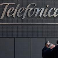 Telefónica frena sus ingresos y reduce el ingreso medio por cliente en España, pero tiene buenas expectativas