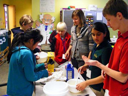 El aprendizaje cooperativo reduce las conductas de acoso en las aulas