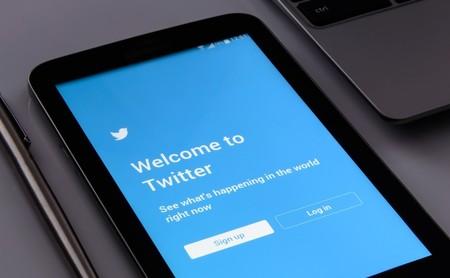 Twitter sigue perdiendo usuarios mensuales, aunque ha logrado el primer beneficio anual de su historia