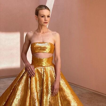 Carey Mulligan apuesta por un recogido relajado y un maquillaje natural para pisar la alfombra roja de los Premios Oscar 2021