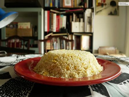 Arroz frito con ramen instantáneo: la receta de guerrilla con solo tres ingredientes que triunfa en Japón