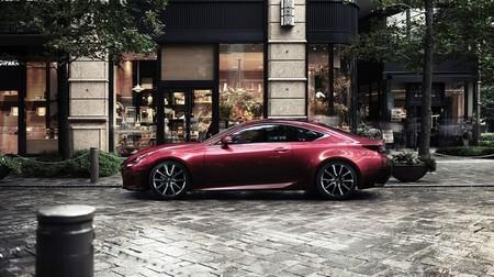 Lexus RC coupé calle