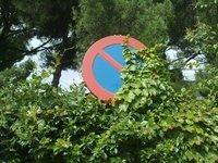 Algunas señales sobran cuando quieres aparcar