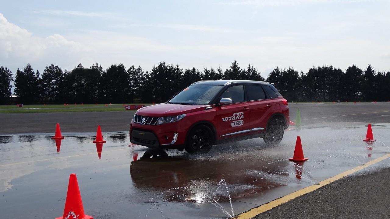 Foto de Suzuki Vitara Turbo prueba de manejo (5/18)