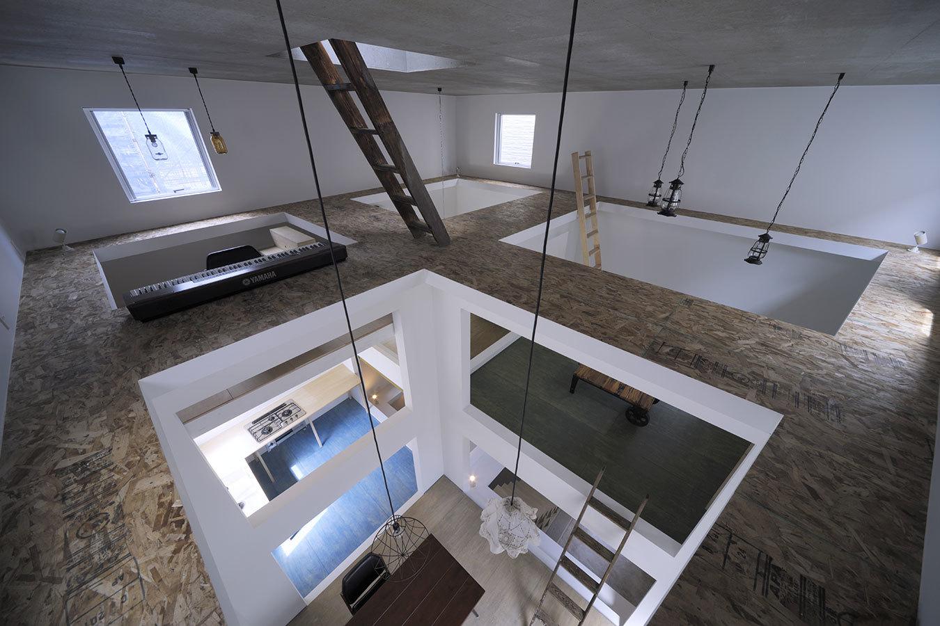Foto de Casas poco convencionales: viviendo en una estantería gigante (7/14)