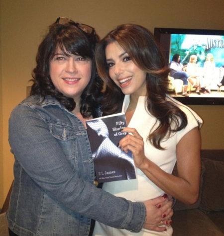 El libro que obsesiona a las celebrities: 'Las 50 sombras de Grey'