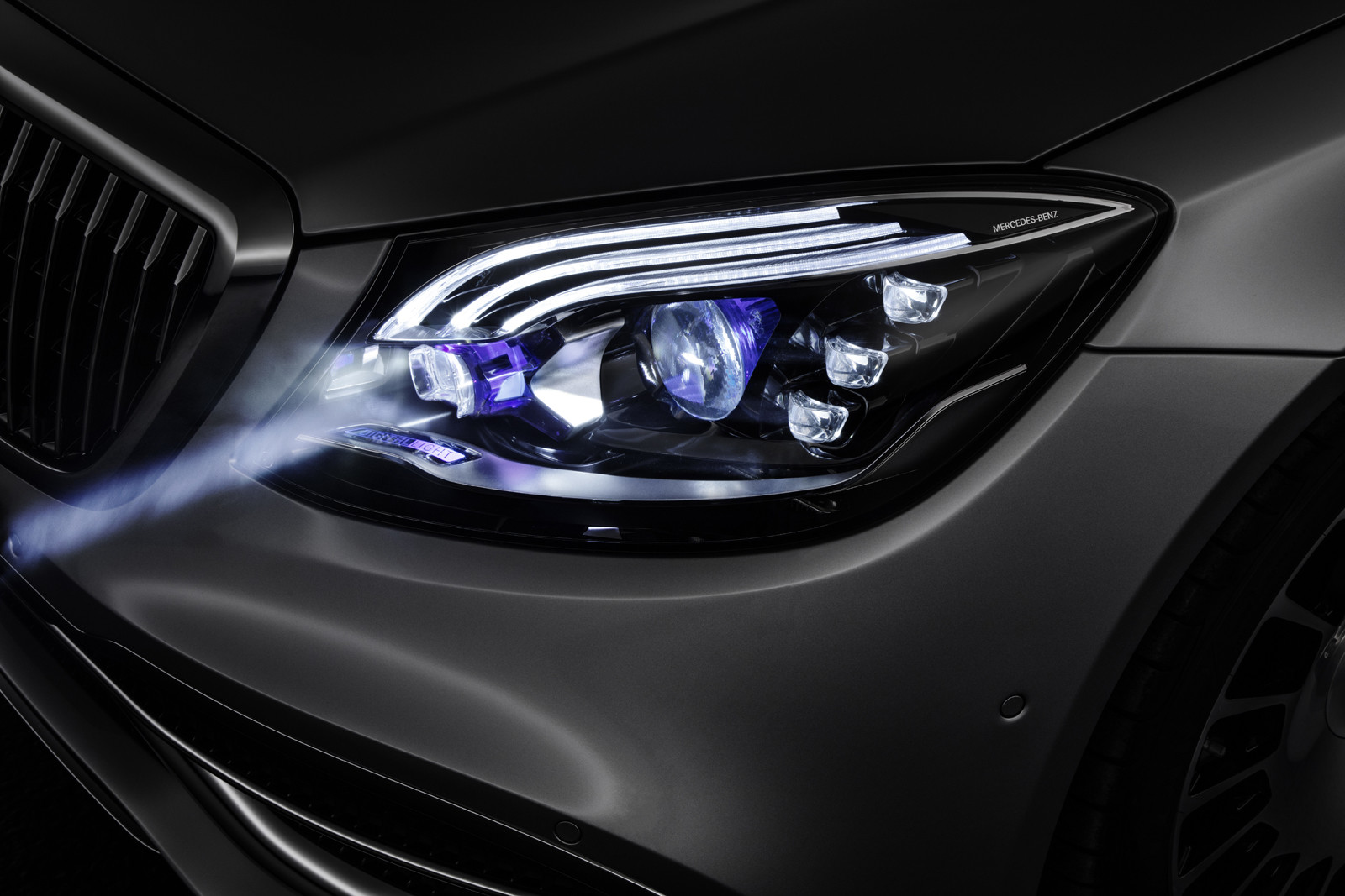 Foto de DIGITAL LIGHT de Mercedes-Benz (7/9)