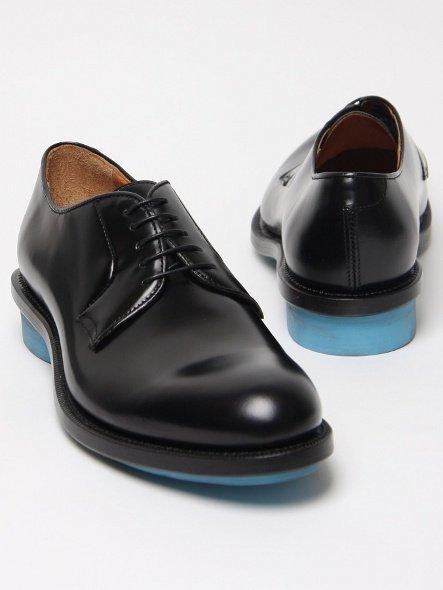 Zapatos con suelas de colores para esta temporada, ¿te atreves?
