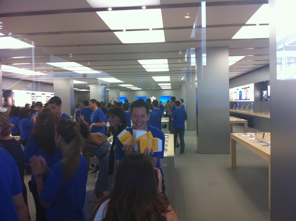 Foto de Inauguración Apple Store La Maquinista (49/93)