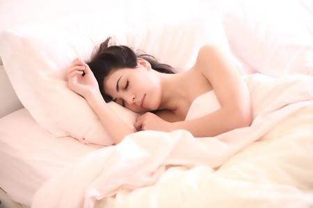 ¿Qué pasa si nos quedamos mucho tiempo en la cama?