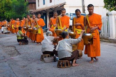 La ceremonia de entrega de limosnas de Luang Prabang