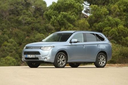 El Mitsubishi Outlander PHEV se estrena en el Eco Desafío Baja Aragón