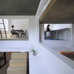 Foto 5 de 14 de la galería casas-poco-convencionales-viviendo-en-una-estanteria-gigante en Decoesfera